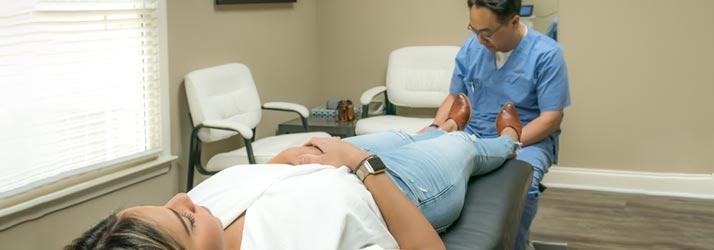 Chiropractor Duluth GA Chuel Hong Park Treats Leg Pain